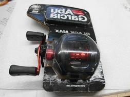 black max 3 right hand baitcast fishing