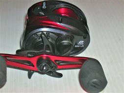 Quantum Pulse Fishing Reel 6.6:1 Ratio RH Baitcasting PL100S